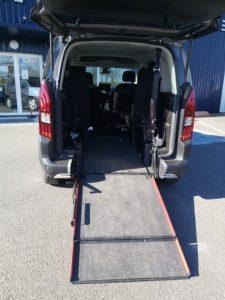 Rampe d'accès pour fauteuil roulant