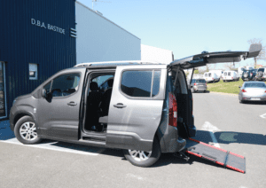 Voiture Garage Ceignac Peugeot TPMR Handicaper