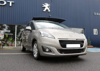 Peugeot 5008 beige à vendre Garage Bastide DBA Aveyron